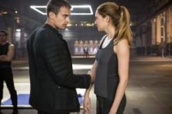 Divergent – Full Trailer