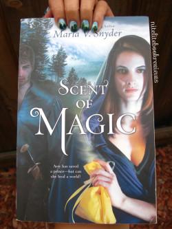 Manicure Monday (53): Scent of Magic