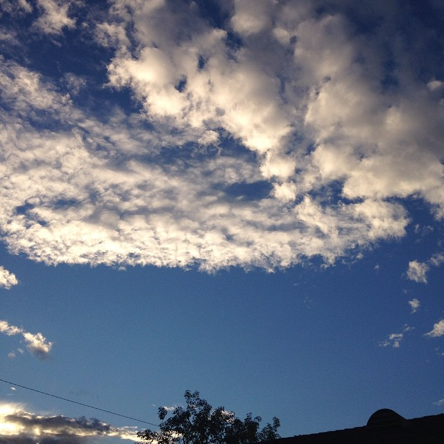 Morning sky. #lookingup