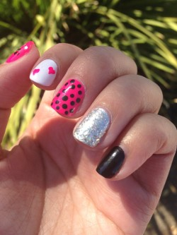 Manicure Monday (89): Valentine's Day Edition
