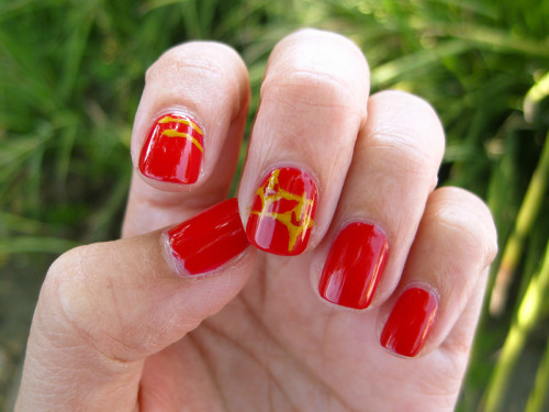 Redshirts-ManicureMonday-4