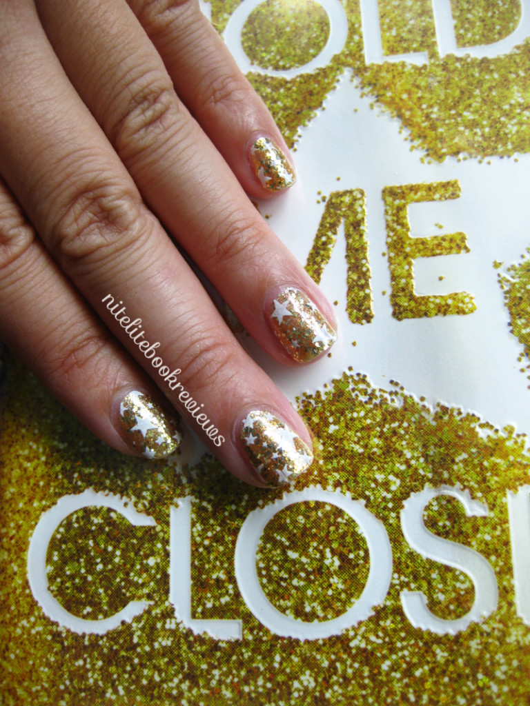 HoldMeCloser-ManicureMonday-4